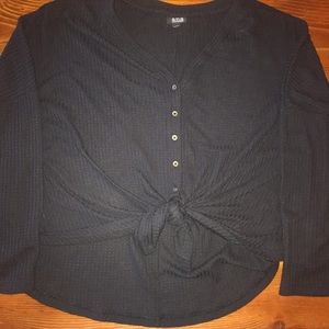 Ana long sleeved hi-low front tied shirt in large